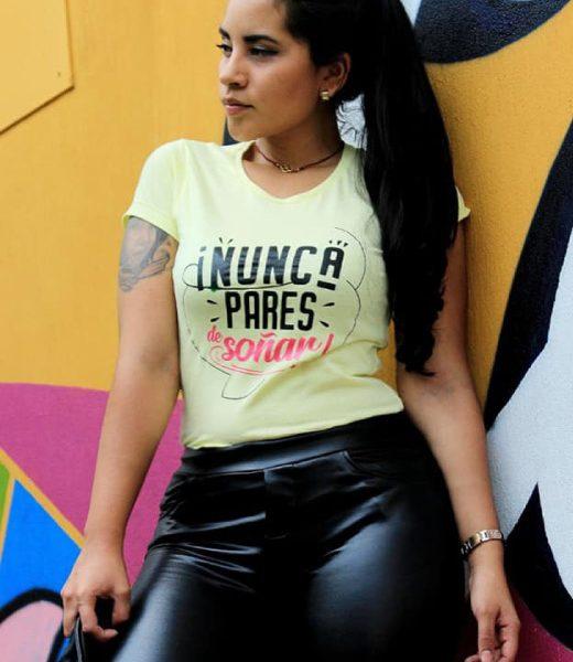 Camiseta para Mujer Mensaje: Nunca pares de soñar